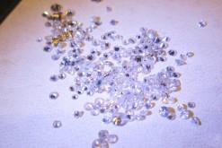 沢山あまった小さなダイヤを