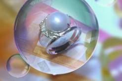 片方なくしてしまったイヤリングを個性ある指輪に